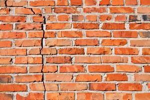 Cracking bricks on Toronto building