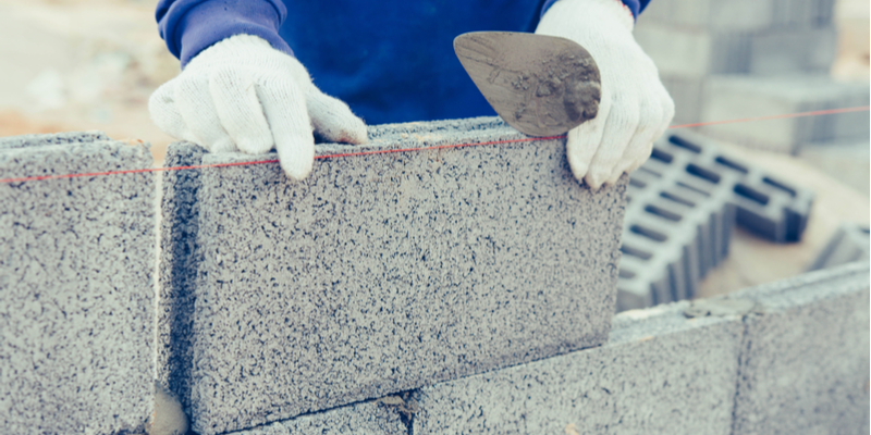 Which is Stronger – Concrete Blocks or Conventional Bricks?