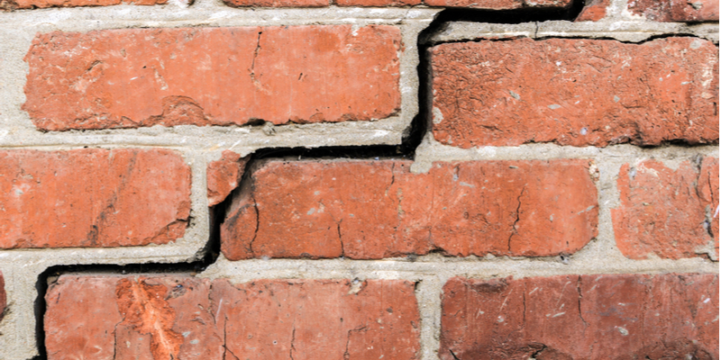 How to Know If Your Bricks Need to be Replaced or Repaired