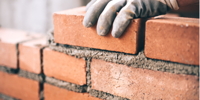 Stone vs Brick – Pros and Cons of Both Materials
